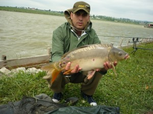 cupa-harmanesti-pescuit-2011-trofeu